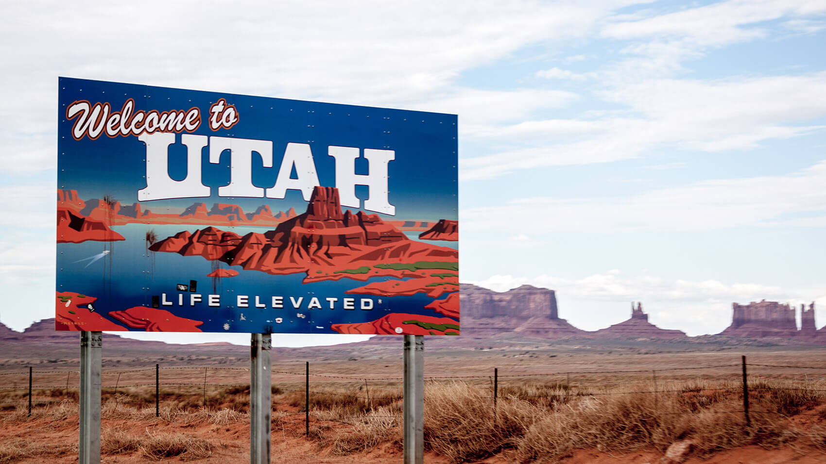 Entering Utah by Monument Valley
