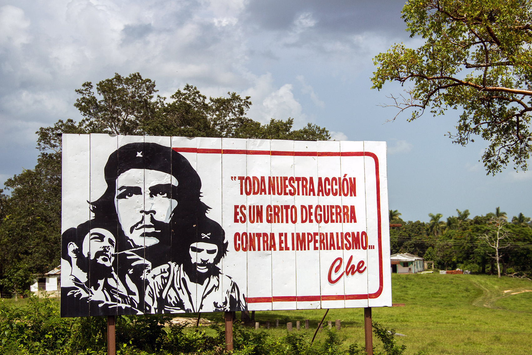 Propaganda poster with Che Guevara near Viñales